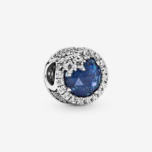 🌟Pandora  Blue Dazzling Snowflake Charm